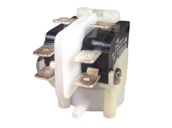 AIR SWITCH: 21AMP DPDT LATCHING RADIAL SPOUT TRA211A