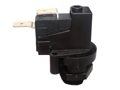 AIR SWITCH: 22AMP SPST LATCHING (PKG)