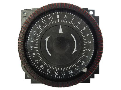 TIME CLOCK: 240V SPST 50HZ 24 HOUR TYPE 880 TA4070